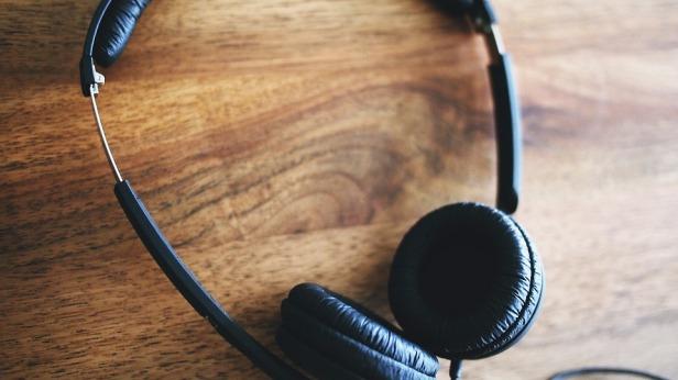 headphones-480203_960_720