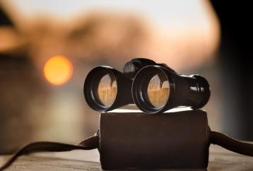 binoculars-1269458_960_720.jpg